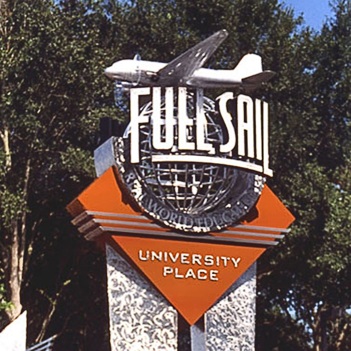 Full Sail Close Up